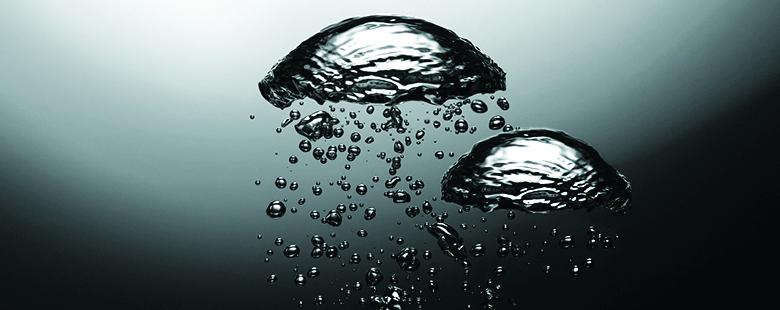 Luftblasen in Wasser